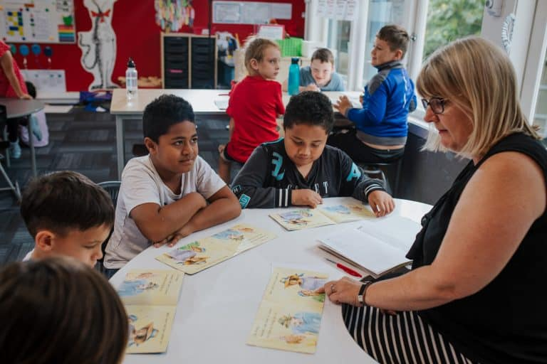 Maximise structure: Practices for effective classroom management